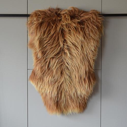 Alpines Langhaar Schaffell - Karamell braun/ camel