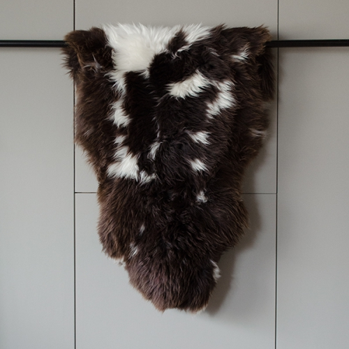 Alpine sheepskin - dark brown white dotted